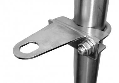 Fixation sur mat pour connectique type N